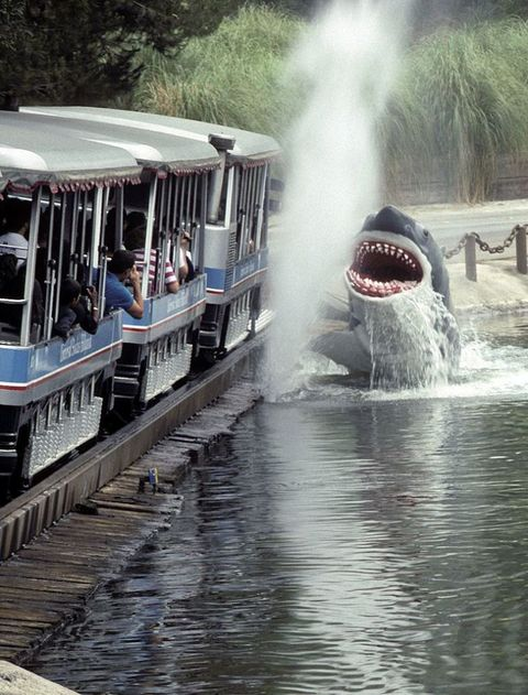 Body of water, Water resources, Water, Water feature, Liquid, Watercourse, Public transport, Passenger, Fountain, Steam,