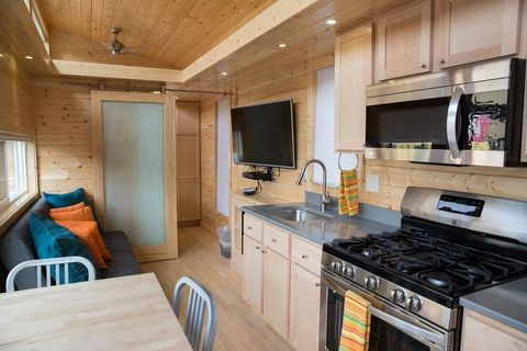 Tiny House Las Vegas >> This Tiny House Is Located In The Middle Of Las Vegas