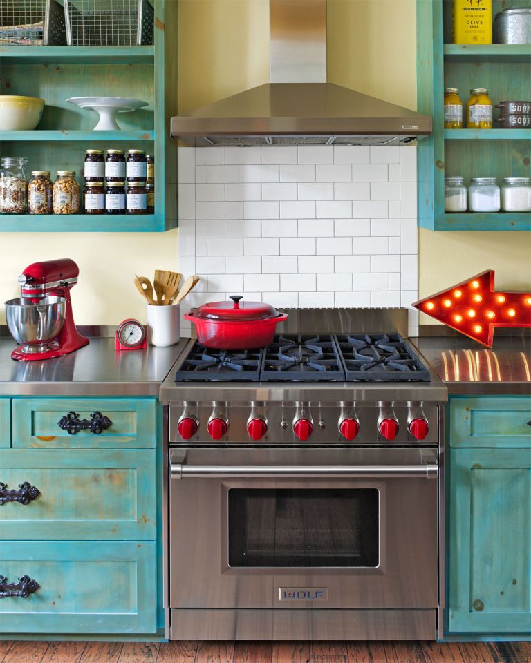 Designers Are Loving This Color For Kitchen Cabinets Right