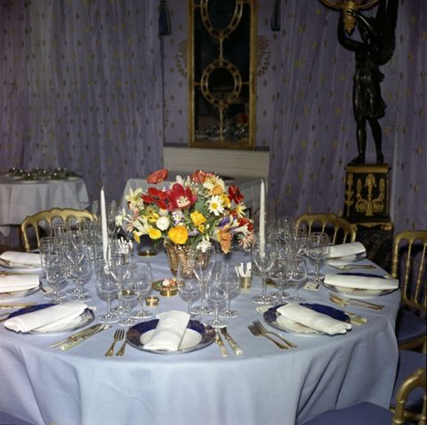 Wedding banquet, Centrepiece, Decoration, Function hall, Rehearsal dinner, Tablecloth, Table, Meal, Tableware, Banquet,