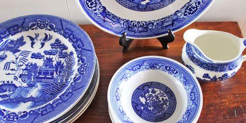Porcelain, Dishware, Blue and white porcelain, Blue, earthenware, Plate, Dinnerware set, Cobalt blue, Tableware, Platter,