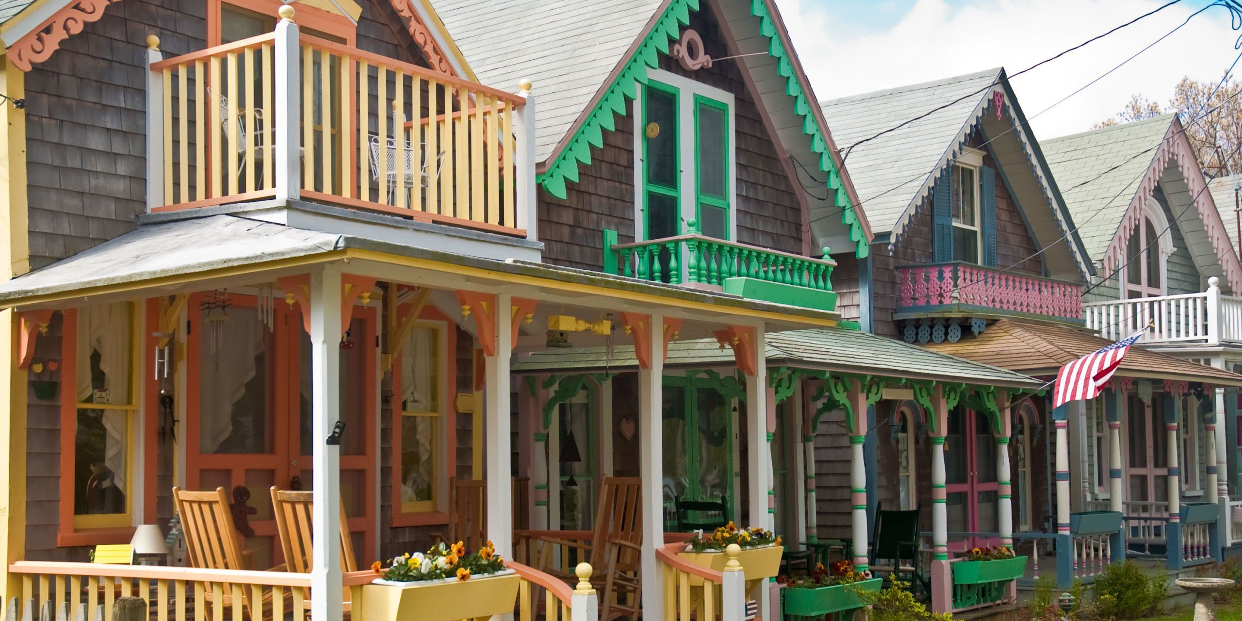 12 Tiny Houses Near The Beach You Can Rent Right Now