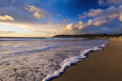 Body of water, Sky, Sea, Beach, Water, Nature, Shore, Wave, Coast, Ocean,