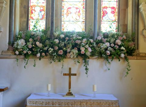 Get An Inside Look At Pippa Middleton S Wedding Flowers See The Floral Arrangements Inside The Church