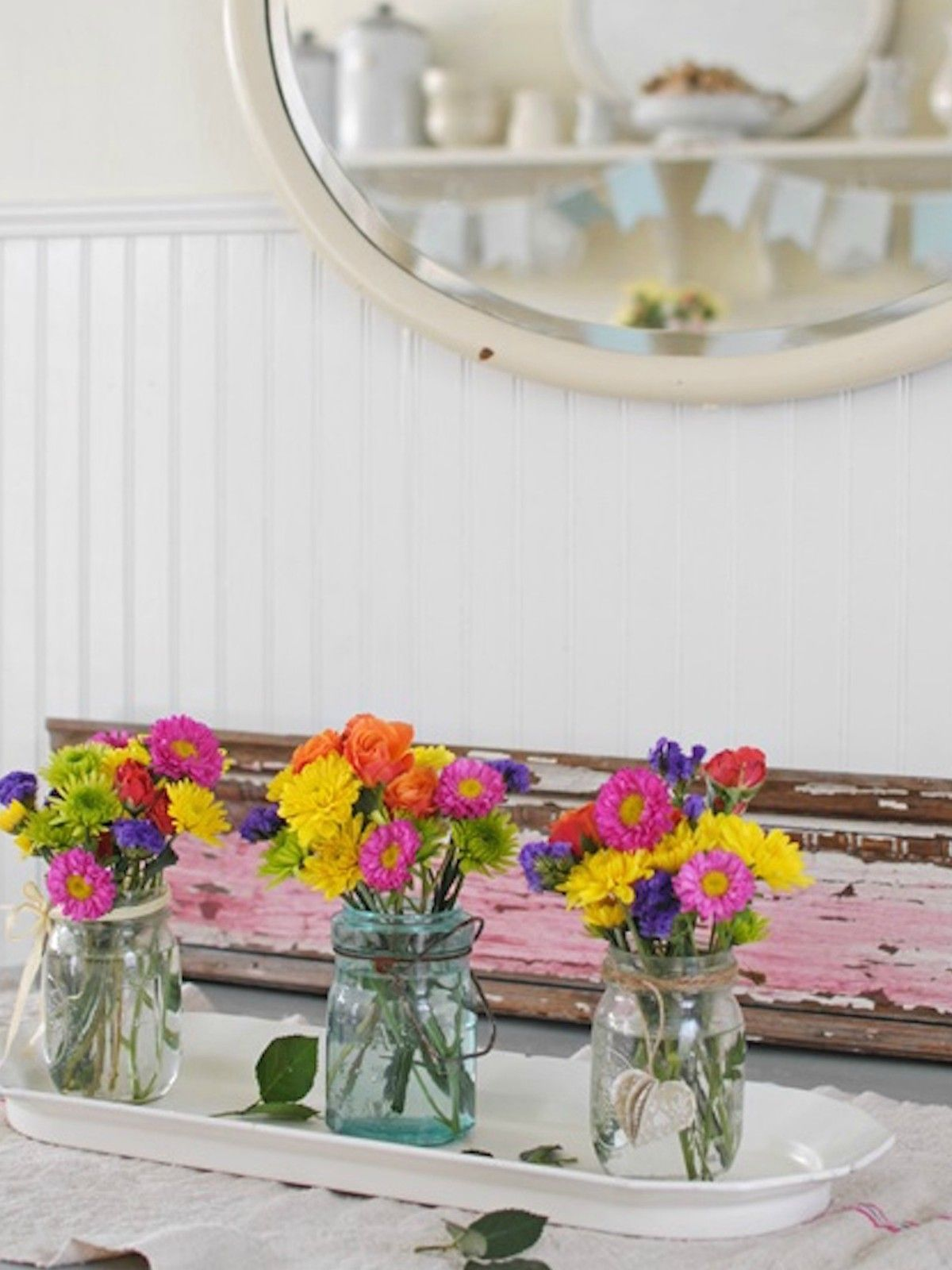 17 Pretty Mason Jar Flower Arrangements - Best Floral Centerpieces ...