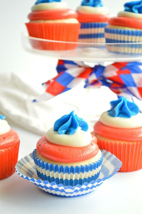 Baking cup, Food, Cupcake, Orange, Dessert, Buttercream, Cake decorating supply, Cake, Baked goods, Cuisine,