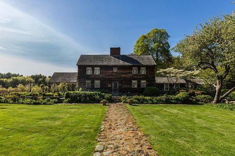 Property, House, Home, Estate, Natural landscape, Grass, Building, Architecture, Real estate, Lawn,