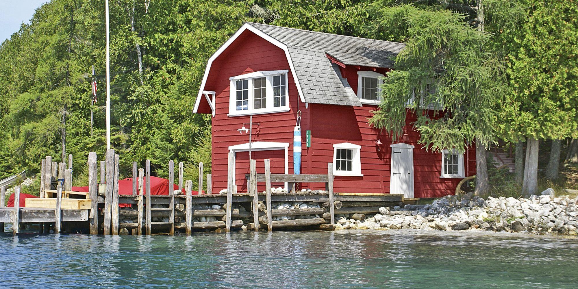 20 Beautiful Lake Homes for Sale   Lake House Real Estate Listings