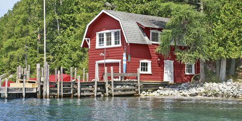 Enjoyable 9 Beautiful Lake Homes For Sale Lake House Real Estate Download Free Architecture Designs Salvmadebymaigaardcom