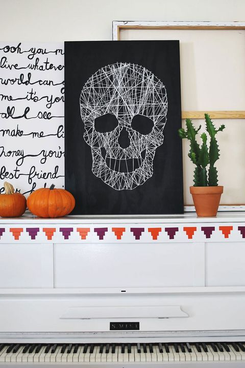 45 easy diy halloween decorations homemade do it yourself skull string art solutioingenieria Gallery