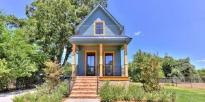 """fixer upper"" shotgun house"
