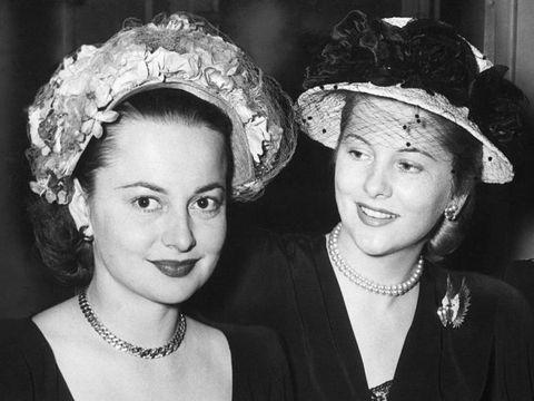 Olivia de havilland and joan fontaine 39 s feud hollywood 39 s for Joan fontaine and olivia de havilland feud