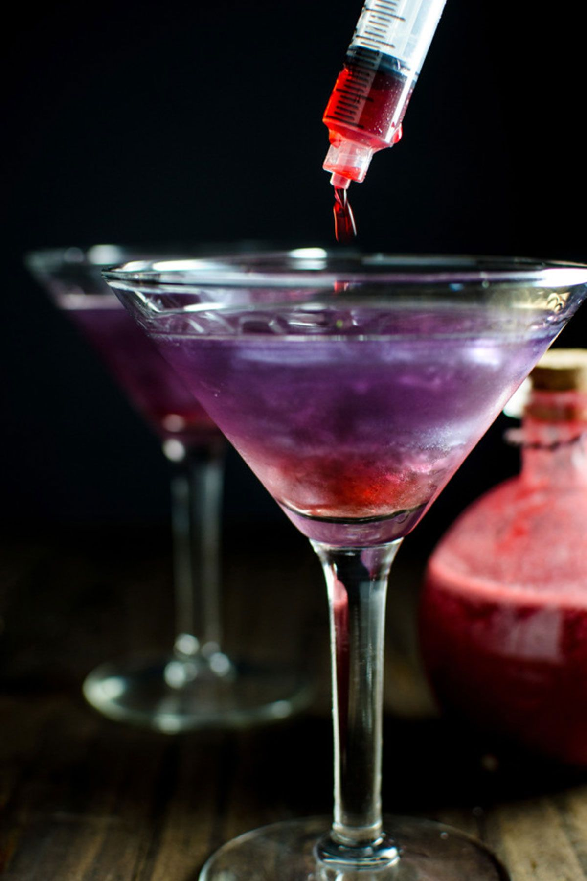34 easy halloween cocktails & drinks - best alcohol-based drink
