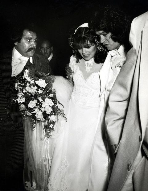 Valerie bertinelli 39 s wedding day crisis valerie for Who is valerie bertinelli married to