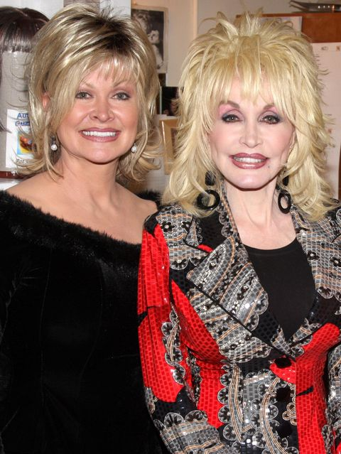 Dolly Parton 39 S Siblings How Many Siblings Does Dolly
