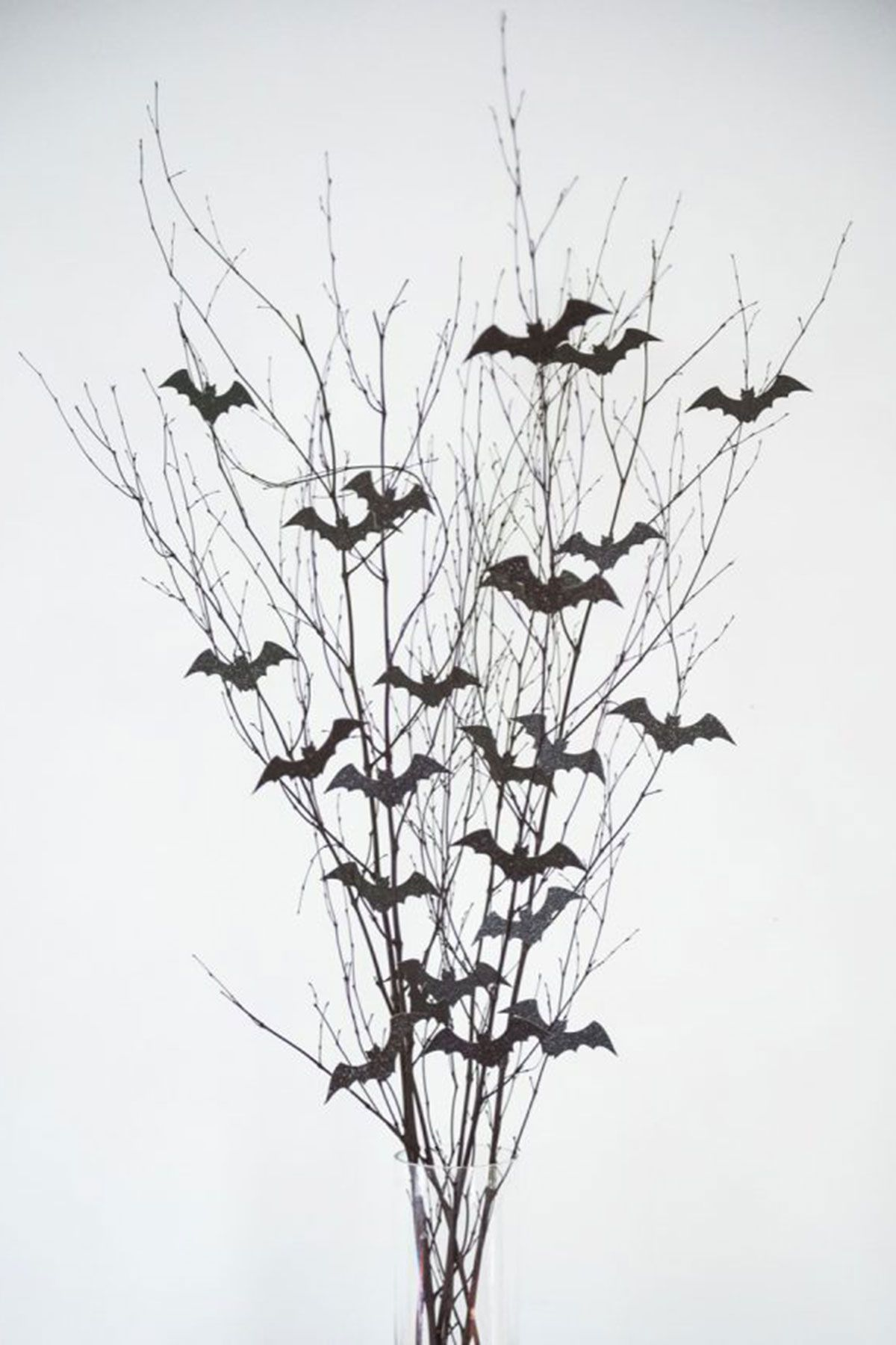 20 halloween centerpieces table decorations diy ideas for rh countryliving com black tree branches for centerpieces black tree branches for centerpieces