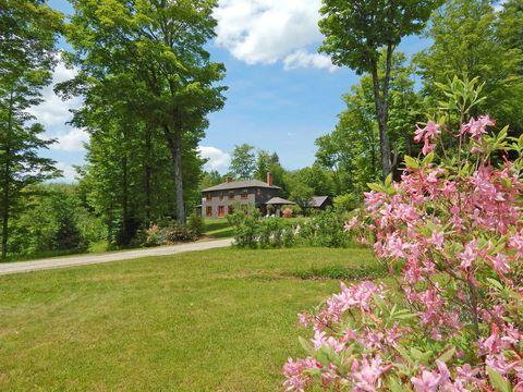 Shrub, Flower, Petal, Tree, Garden, Pink, Woody plant, Land lot, Botany, Spring,