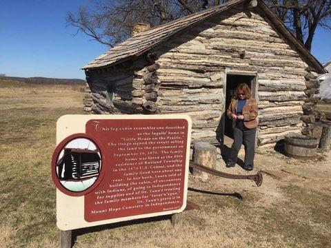 Landscape, Roof, Rock, Plain, Rural area, Hut, Log cabin, Signage, Prairie, Village,