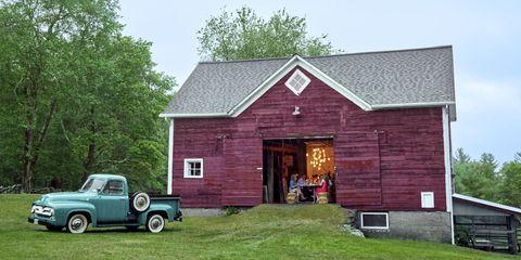 30 Beautiful Barns