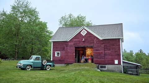 House, Vehicle, Car, Property, Home, Building, Roof, Barn, Rural area, Cottage,