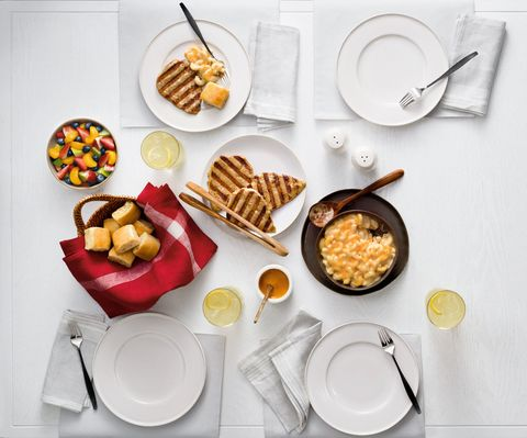 Serveware, Food, Cuisine, Dishware, Meal, Tableware, Dish, Ingredient, Breakfast, Finger food,