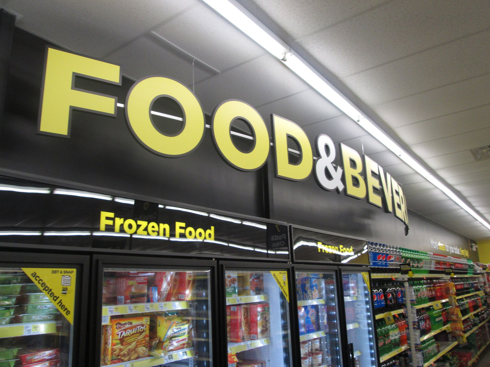 12 Reasons You Should Buy Groceries At The Dollar Store recommend