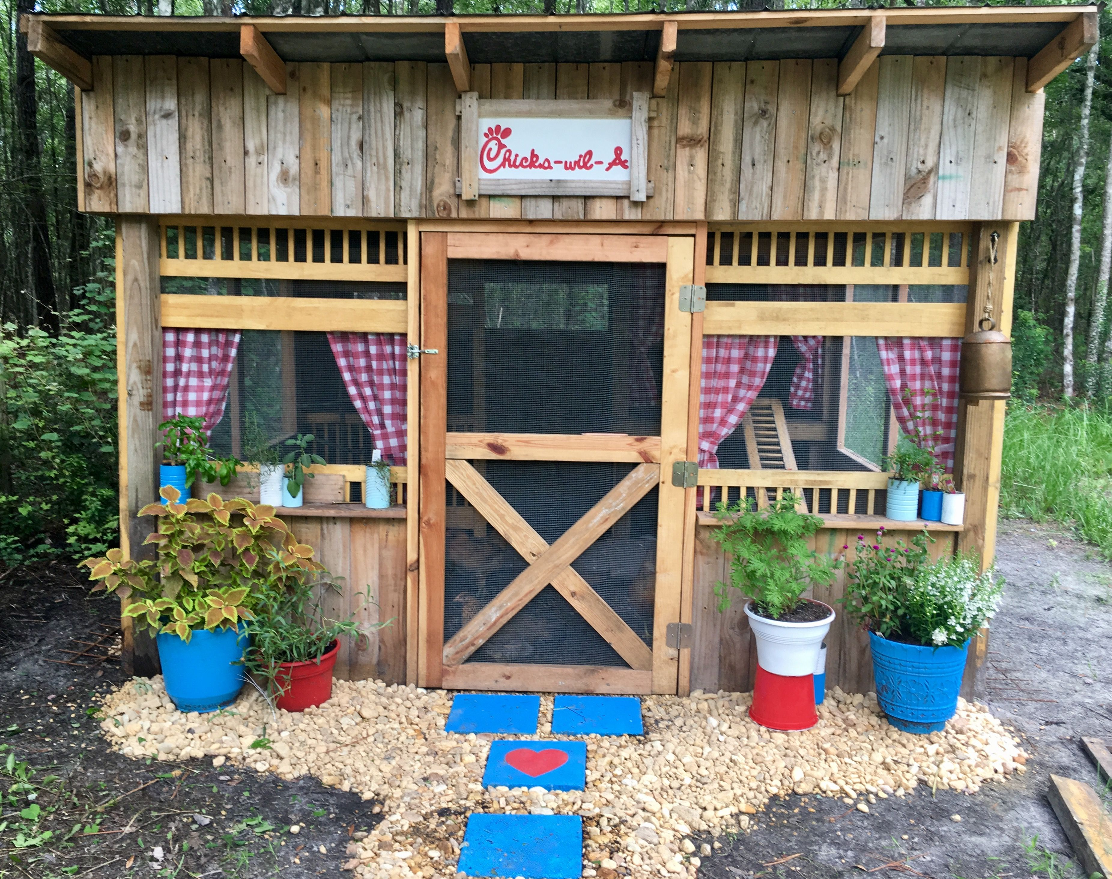 30 DIY Chicken Coops You Need In Your Backyard - DIY Chicken