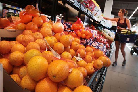 Citrus, Natural foods, Tangerine, Fruit, Produce, Food, Bitter orange, Mandarin orange, Orange, Retail,