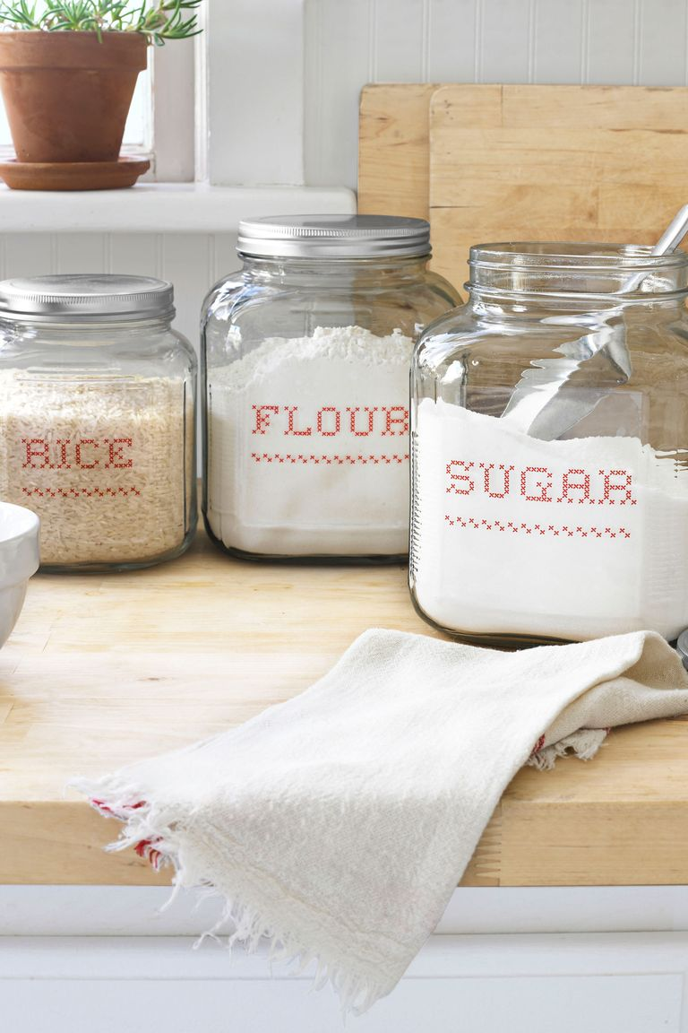 Diy kitchen projects fun kitchen crafts for What kind of paint to use on kitchen cabinets for transparent sticker