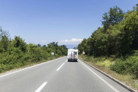 Road, Highway, Freeway, Lane, Thoroughfare, Asphalt, Motor vehicle, Infrastructure, Transport, Road surface,