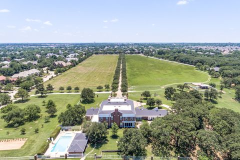 Aerial photography, Landmark, Architecture, Bird's-eye view, Sky, Tree, City, Urban area, Landscape, Photography,