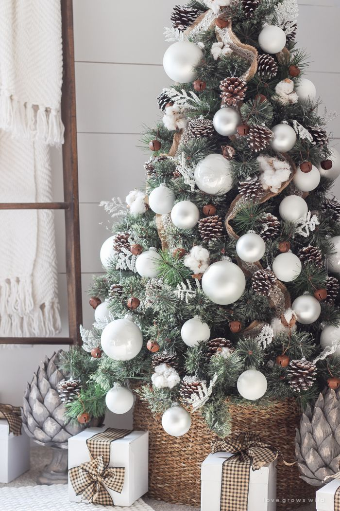 72 best christmas tree decorating ideas how to decorate a christmas tree - Simple Christmas Tree