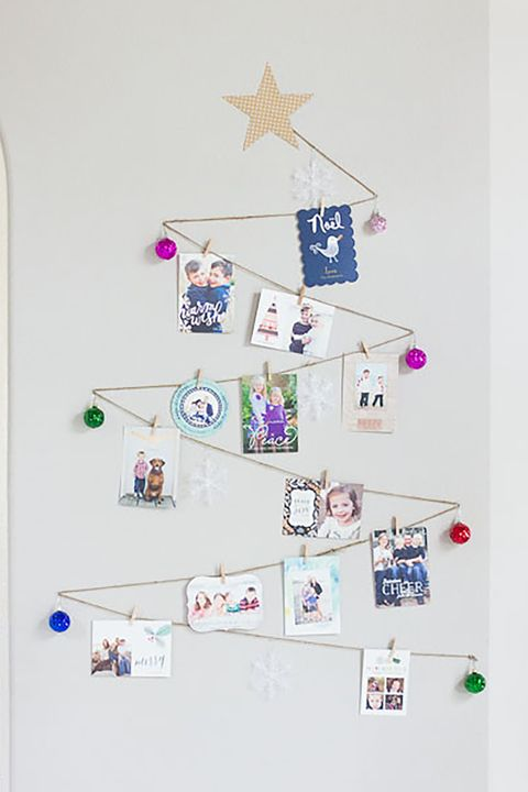 23 diy christmas card holder ideas how to display christmas cards twine wall tree christmas card display solutioingenieria Images
