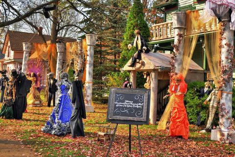 best small town for halloween romeo michigan