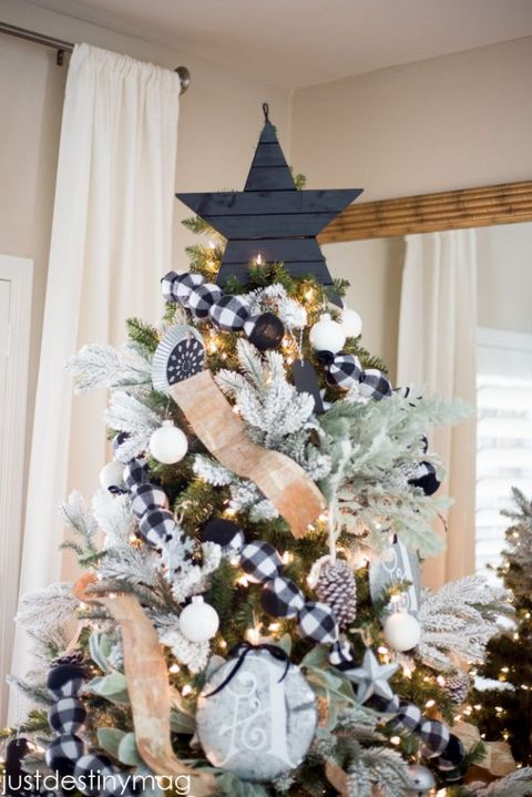 image courtesy of just destiny diy christmas tree star topper - Unique Christmas Tree Toppers
