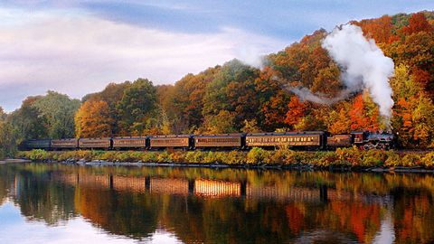 essex steam train - fall foliage train rides conneticut