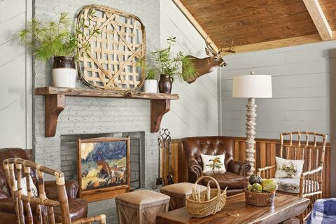 Room, Living room, Interior design, Property, Furniture, Fireplace, Ceiling, Building, Home, Hearth,