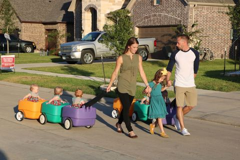 Busby family from Outdaughtered