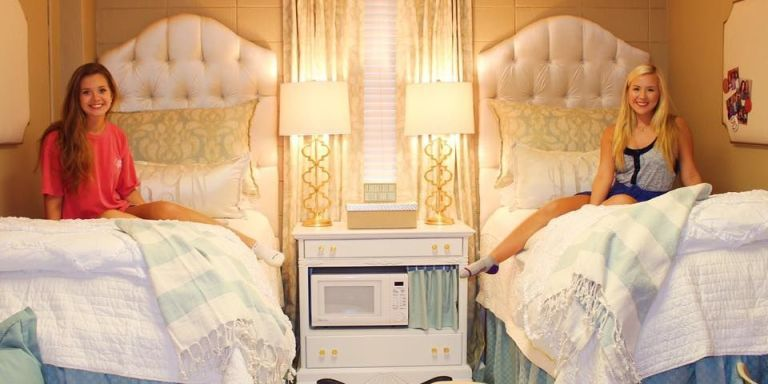 Take A Peek Inside The Most Stunning College Dorm Room Makeovers College Dorm Room Ideas