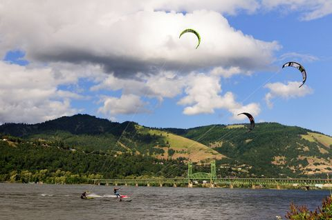 Kitesurfing, Sky, Kite sports, Parachute, Surface water sports, Cloud, Water sport, Boardsport, Windsports, Wind,