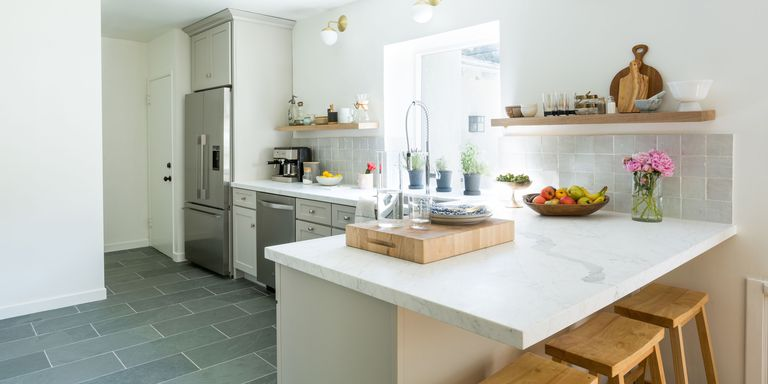 22 Jaw Dropping Small Kitchen Designs: This Retro Kitchen Transformation Will Make Your Jaw Drop