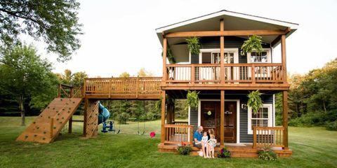 House, Building, Property, Backyard, Cottage, Log cabin, Home, Grass, Deck, Wood,
