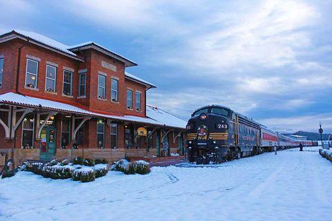 polar express train ride wv