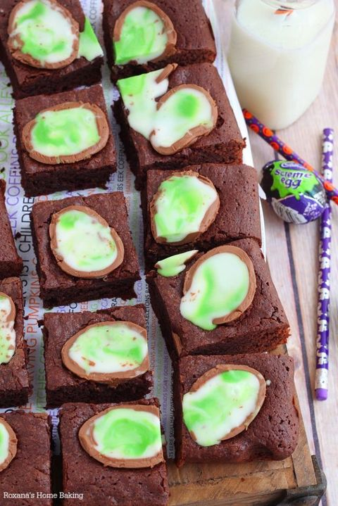 Food, Cuisine, Chocolate brownie, Dish, Baked goods, Dessert, Ingredient, Baking, Finger food, Petit four,