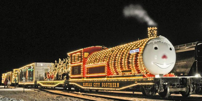 8 Best Polar Express Train Rides For Christmas 2017