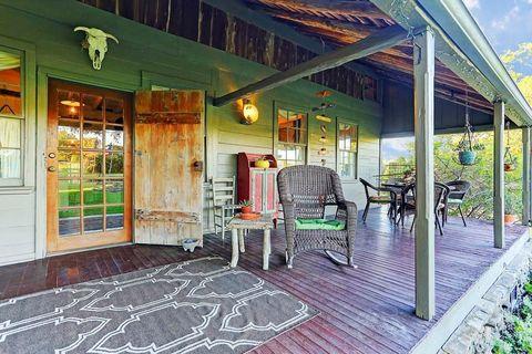 Property, Building, Home, Real estate, House, Porch, Room, Interior design, Estate, Patio,