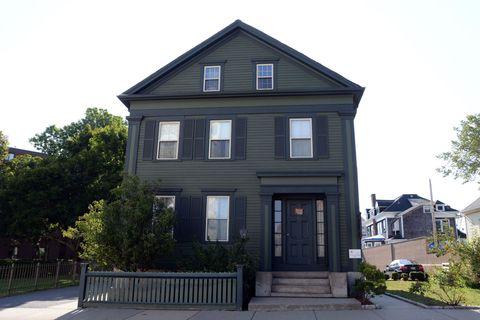 13 Creepy Houses in America - Murder Houses