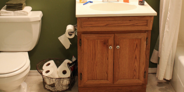 This Incredible Rustic Bathroom Makeover Cost Less Than $100