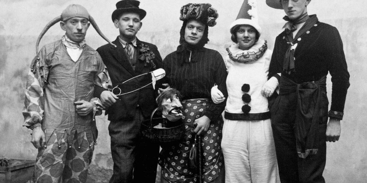 vintage halloween costumes 19th century halloween kids. Black Bedroom Furniture Sets. Home Design Ideas