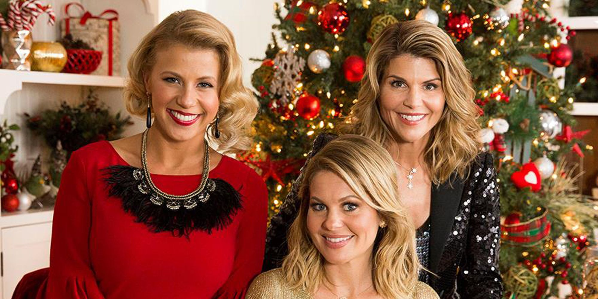 hallmarks countdown to christmas preview show airs on oct 22 candace cameron bure will host this years countdown to christmas preview show - Christmas In Conway Hallmark